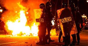 Resultado de imagen de fotos de Barcelona en llamas